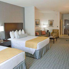 Queen Suite Bedroom at Hammondsport Hotel